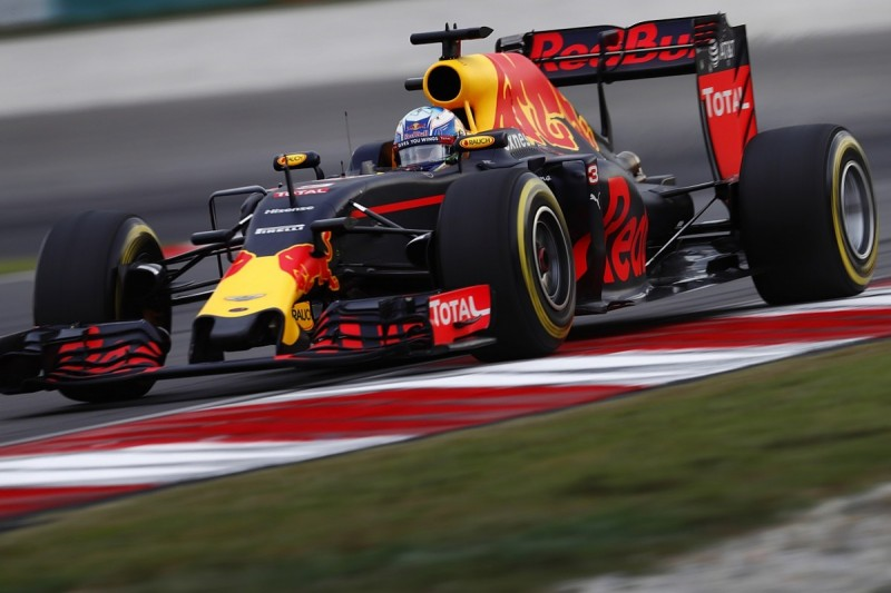 Red Bull F1 team developing at its best, Ricciardo believes