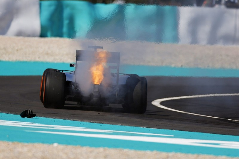 Mercedes F1 team yet to find cause of Lewis Hamilton's failure