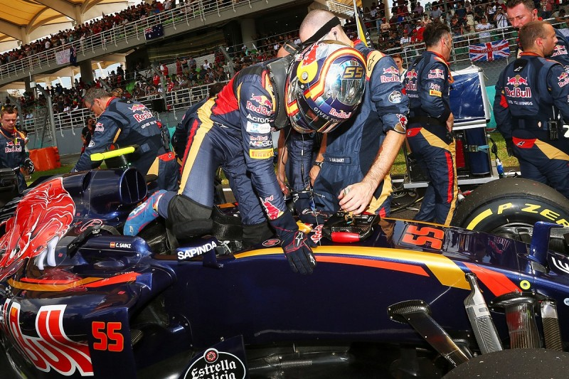 Toro Rosso's Sainz surprised Malaysian GP start not delayed