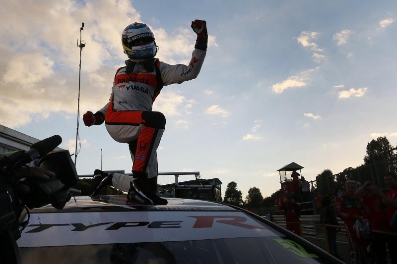 Brands Hatch BTCC: Gordon Shedden claims third title in showdown