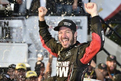 Dover NASCAR Sprint Cup: Truex dominates as Chase field down to 12