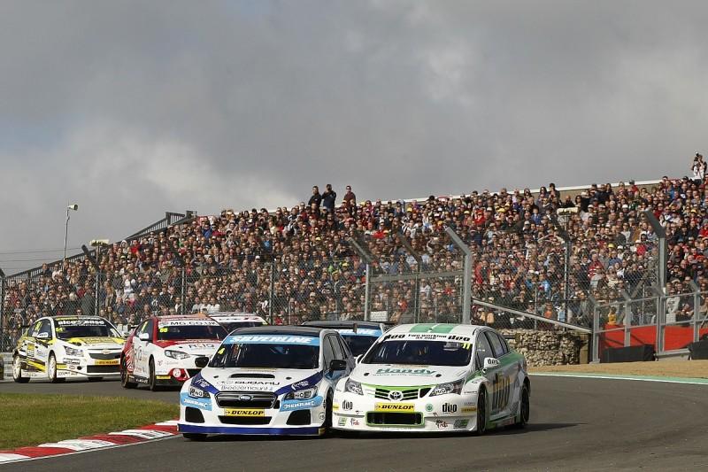 Brands Hatch BTCC: Turkington wins race one to boost title hopes