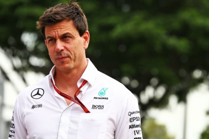 Mercedes F1 starts 'still a risk' in 2016 - Toto Wolff