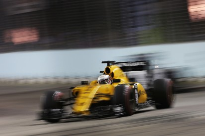 Renault's poor F1 car makes 2017 line-up decisions difficult