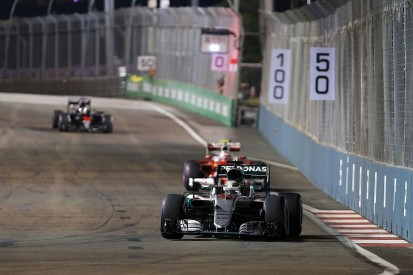 Mercedes says Hamilton and Rosberg's Singapore GP brake woes equal