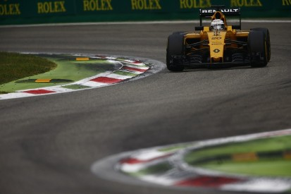 Drivers in dark as Renault delays 2017 Formula 1 line-up decision