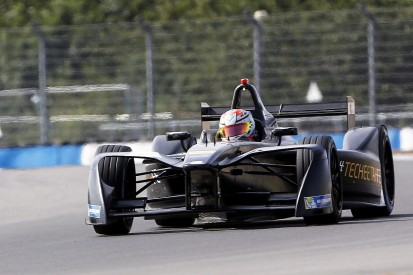 Jean-Eric on top in Formula E test with customer Renault power
