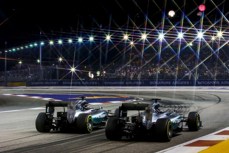 Mercedes can't be confident for Singapore after 'huge' gap in 2015