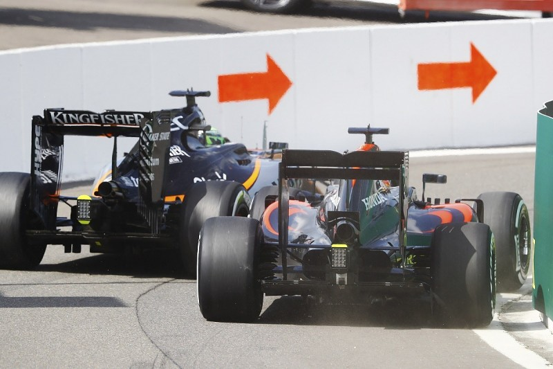 Fernando Alonso 'should have backed off' in F1 pitlane clash