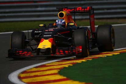 Hamilton won't catch leaders during Belgian GP, says Ricciardo
