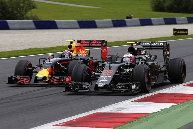 McLaren's Boullier suspects rules change will give Red Bull edge