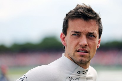 Jolyon Palmer thinks he has time to sway Renault over 2017 F1 seat