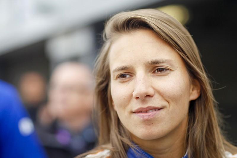 Australian Supercars series pushing to get Simona de Silvestro for 2017