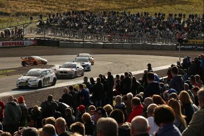 BTCC Knockhill: Mat Jackson fends off pursuers to win race three
