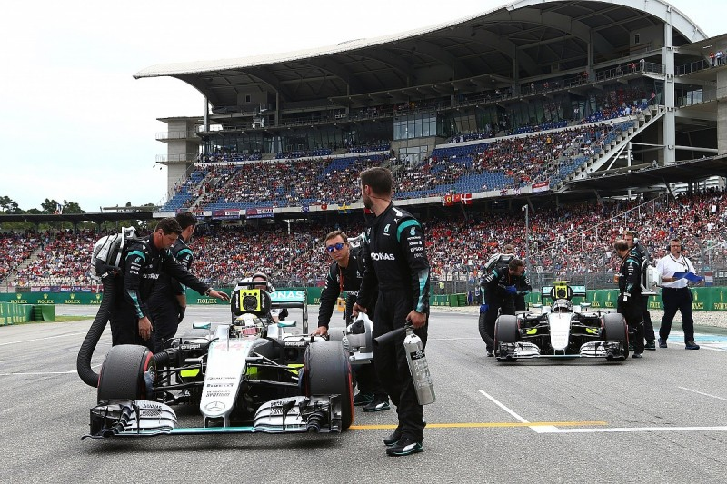 Managing Hamilton/Rosberg is time-consuming - Mercedes F1's Wolff