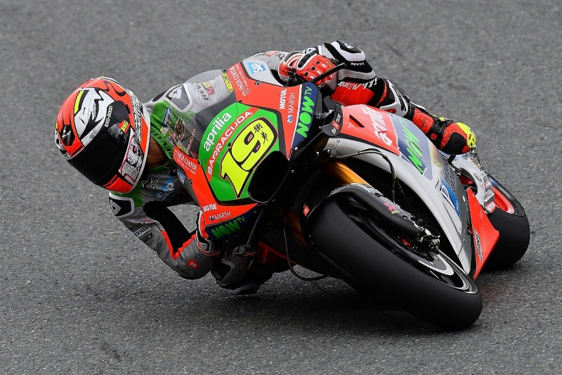 Aprilia losing out to MotoGP opposition on corner entry - Bautista