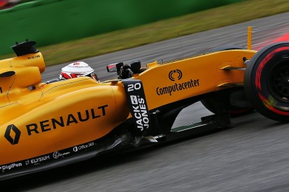 Renault accelerates F1 investment plans to speed up progress