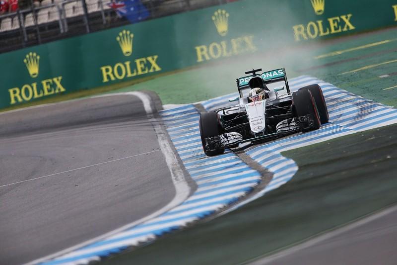 Mercedes' Hamilton doesn't feel like he leads F1 championship yet