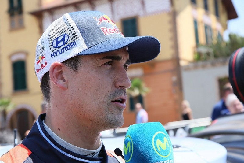 Sordo ruled out of Rally Finland after test crash, Abbring steps in