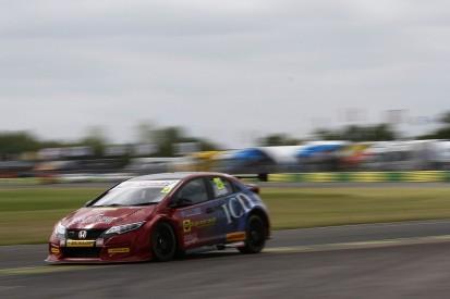 Croft BTCC: Daniel Lloyd leads practice in Eurotech Honda