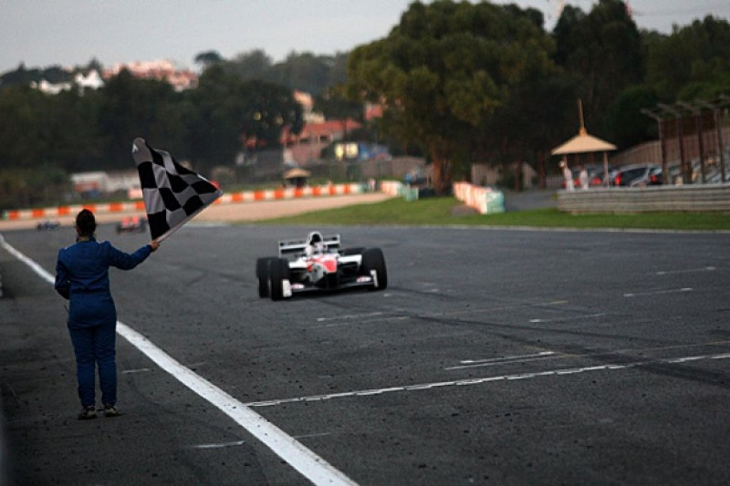 Estoril Auto GP: Shinya Michimi claims first series win
