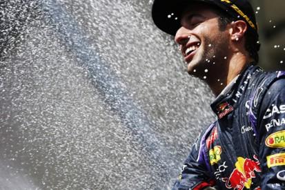 Belgian GP: Ricciardo wins as Mercedes' Hamilton/Rosberg collide