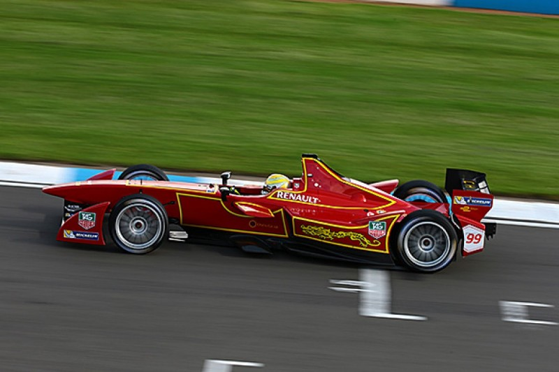 Nelson Piquet Jr secures Formula E drive with China Racing