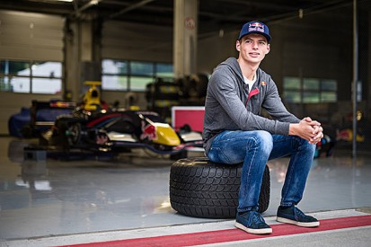 Max Verstappen to race with Toro Rosso F1 team in 2015