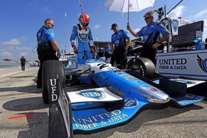 Milwaukee IndyCar: James Hinchcliffe sets pace then crashes