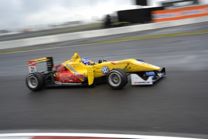 Nurburgring European F3: Tom Blomqvist dodges rain to lead practice