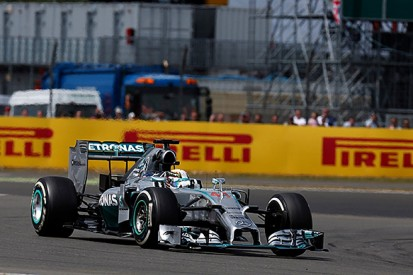 British GP: Hamilton takes commanding win as Rosberg retires