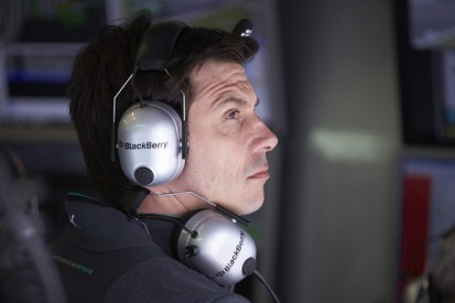 Mercedes' Wolff argued with Ecclestone over F1 social media