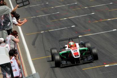 Snetterton British F3: Sam MacLeod wins despite poor start