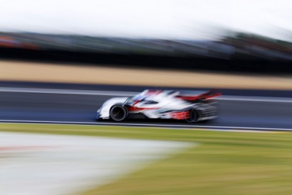 Le Mans 24 Hours: Audi closing on one-two into final hour