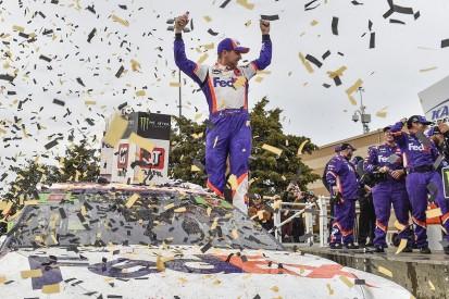 Kansas NASCAR: Denny Hamlin wins, late crashes cause playoff drama
