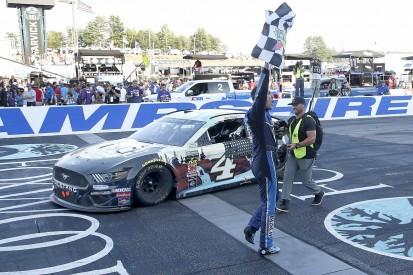 Harvick defeats Hamlin in late NASCAR thriller at New Hampshire