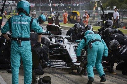 Mercedes wary of 'unconscious favouritism' with F1 strategic variance