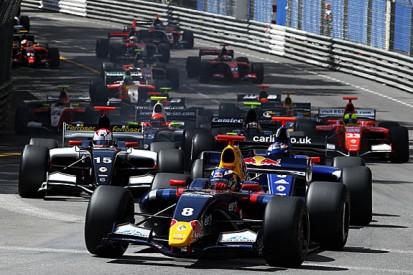 Formula Renault 3.5's three-way title thriller