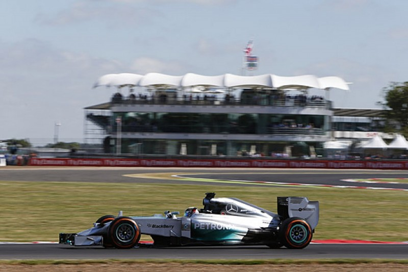 Free feature: Hamilton fastest, but does he have race pace?