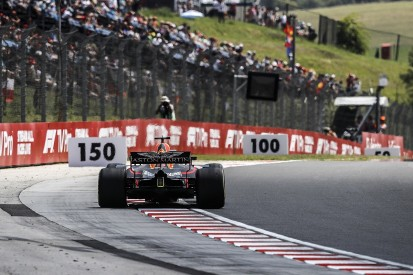 Who should replace Ricciardo at Red Bull?