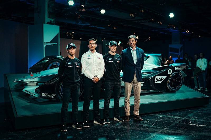 Why Mercedes is backing two McLaren F1 outcasts