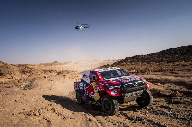 """Frustrated Al-Attiyah feels Dakar rules """"too much in favour of buggies"""""""