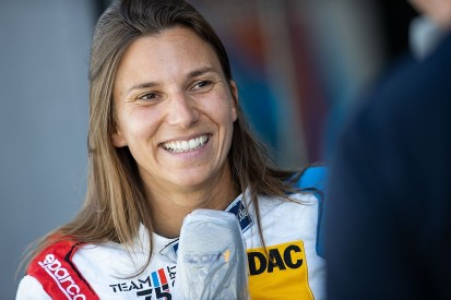 De Silvestro to drive in Indy 500 with female-operated Paretta team