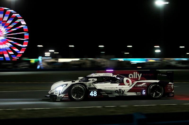 """24h Daytona 2021 nach 8 Stunden: """"All-Star""""-Cadillac führt enges Feld an"""