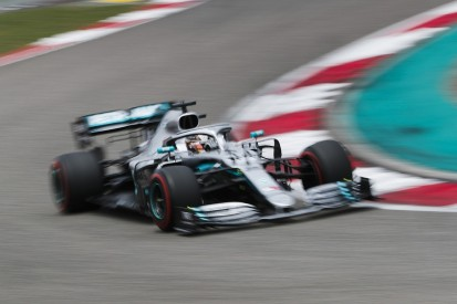 Lewis Hamilton 'experimenting' as he struggles with Mercedes F1 car