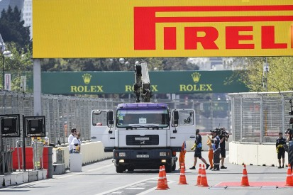 FIA offers explanation behind Russell's FP1 Baku drain crash