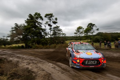 WRC Rally Argentina: Neuville into lead after Tanak spins