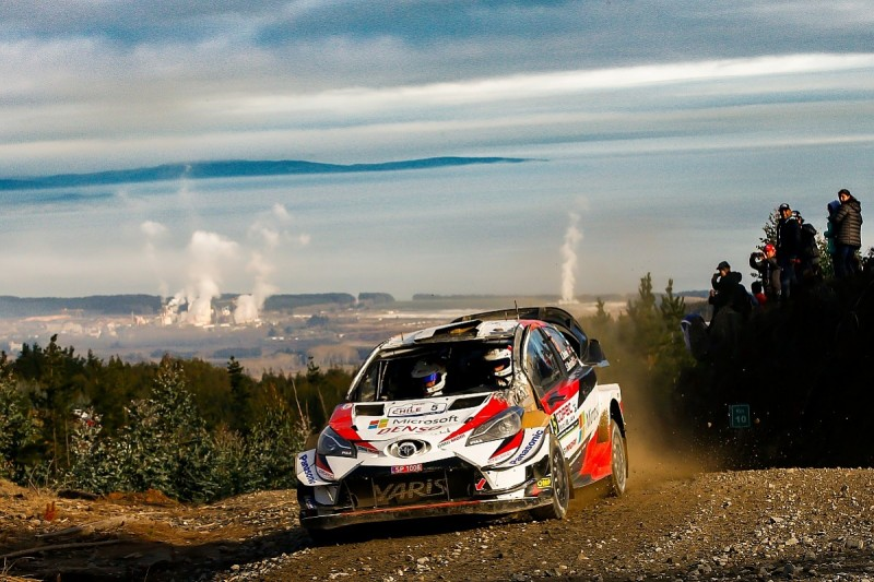 Kris Meeke penalised for removing damaged windscreen on WRC Chile