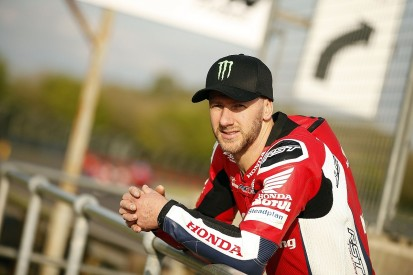 North West 200: Ian Hutchinson loses Superstock qualifying time