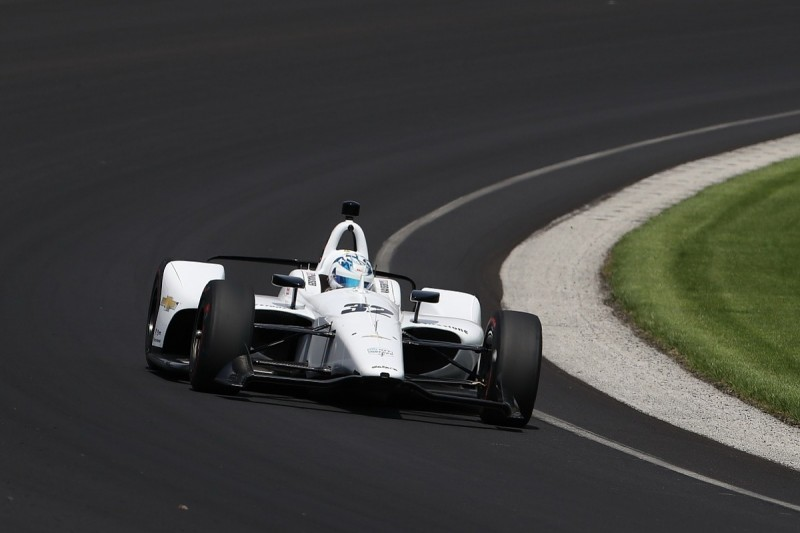 Heavy practice crash for Kaiser threatens Juncos's Indianapolis 500